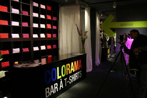 L agencement de magasin peut reposer sur une organisation en fonction d un thème ou d une couleur