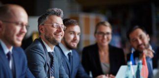 L' Ingénieur d'affaires sait trouver le bon discours pour chaque type de clientèle