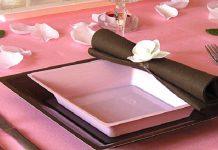 La nappe en papier garantit la réussite des évènements importants dans la vie professionnelle ou privée