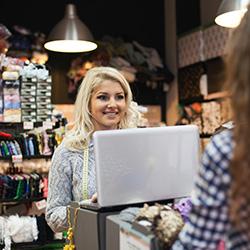 vendeur en magasin-role-vendeur